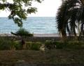 Пляж у гостиницы Райда